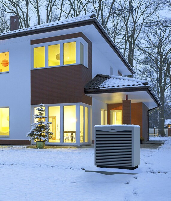 //www.vaillant.dk/media-master/global-media/vaillant/product-pictures/heatpump-winter-2018-19/hp18-35873-01-1410045-format-5-6@570@desktop.jpg