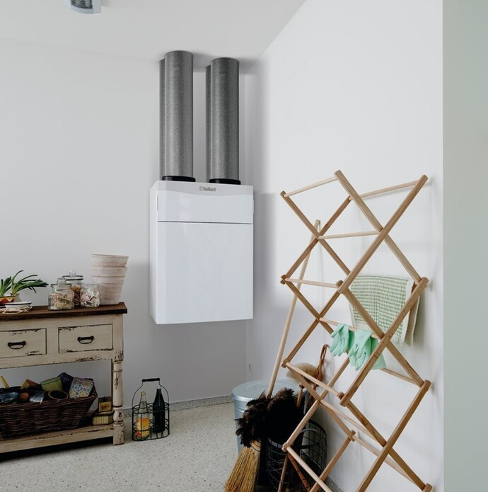 //www.vaillant.dk/media-master/global-media/vaillant/product-pictures/scene/ventilation14-31997-01-85400-format-flex-height@690@desktop.jpg