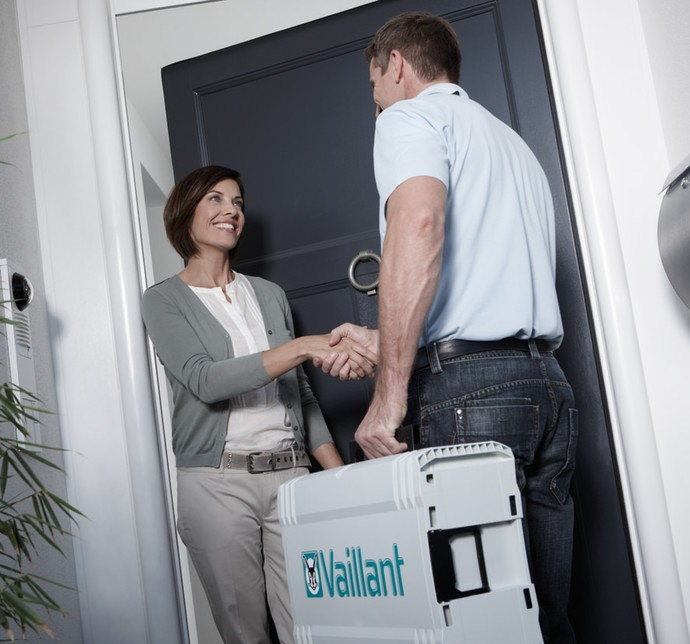 //www.vaillant.dk/media-master/global-media/vaillant/promotion/professionals/prof11-4503-00-55589-format-flex-height@690@desktop.jpg